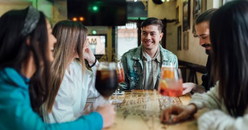 8 Ways to Say 'No' to Alcohol in Any Scenario