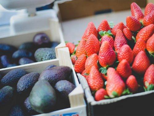 Keto Fruit: 9 Healthy Options