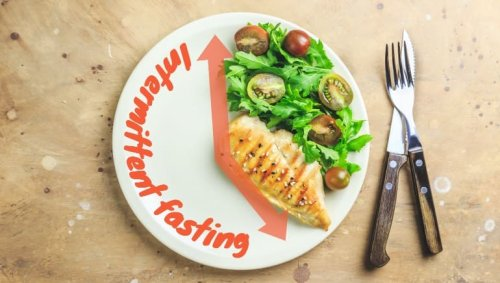 Ask the experts: How much weight can I lose with intermittent fasting in a month?