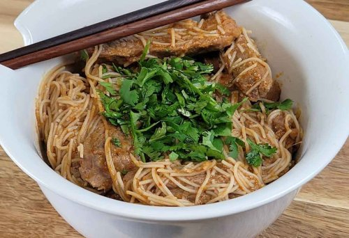 Really Easy Thai Red Curry Steak Vermicelli