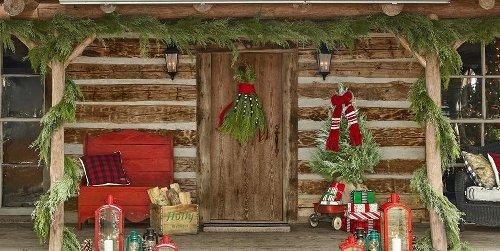 40 DIY Christmas Front Door Decorations That Go Beyond Regular Wreaths