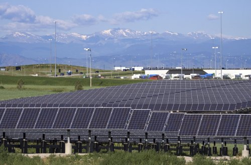 If We Put Solar Panels on Top of Airports, We Could Power Entire Cities