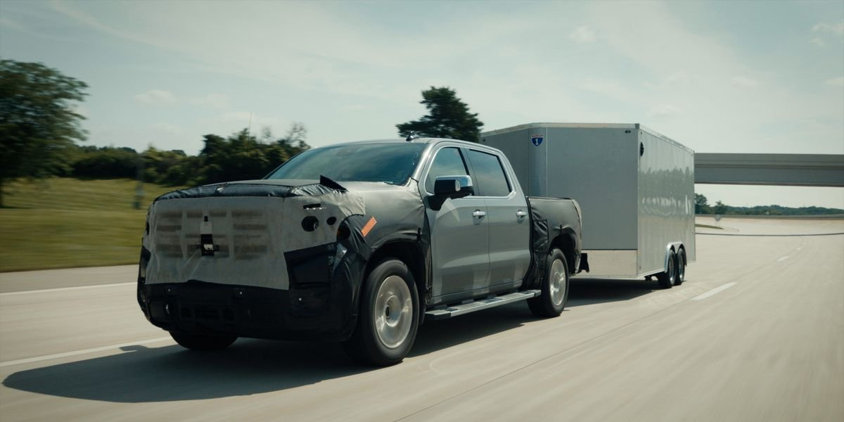 The 2022 Chevy Silverado and GMC Sierra Are Getting Seriously Cool Tech Upgrades