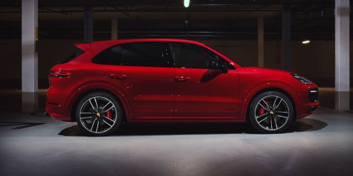 2021 Porsche Cayenne Review, Pricing, and Specs