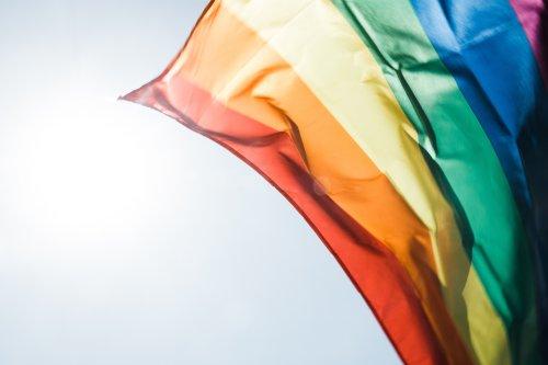 40 anni di bandiera arcobaleno: breve storia di un simbolo dalla strada ai musei di design