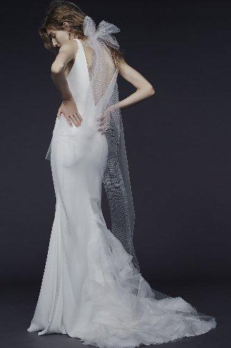 Pronovias and Vera Wang launch accessible Vera Wang Bride label