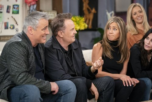 Jennifer Aniston says this is why she couldn't stop crying during the Friends reunion