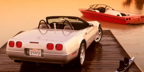 11 of the Hottest Sports Car Speedboats