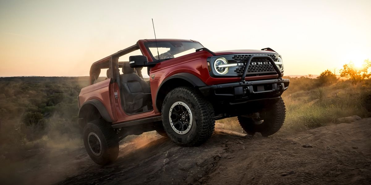 The 2021 Ford Bronco Is the Jeep Wrangler's Worst Nightmare