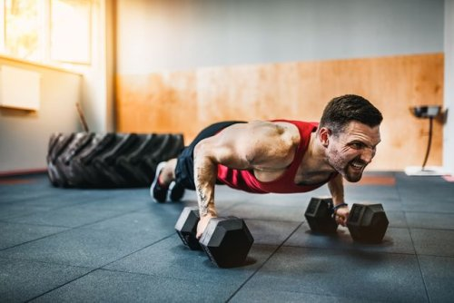 Build a Stronger Chest, Back and Abs With This Simple 4-Move Dumbbell Workout