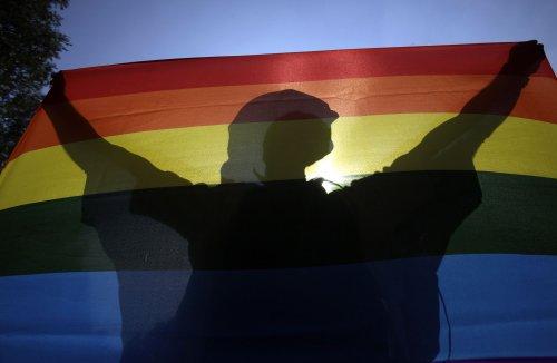 """""""Un giorno buio per l'Ungheria"""" che ha approvato una legge contro la """"propaganda omosessuale"""""""