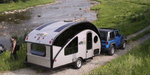 Lo último en caravanas low cost se llama Safari Condo Alto-R Trailer pero ¿interesa?