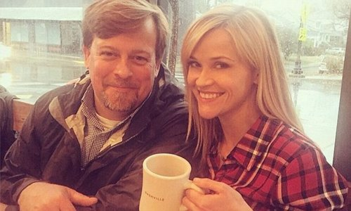 Reese Witherspoon stuns fans with a rare photo of brother for special reasons