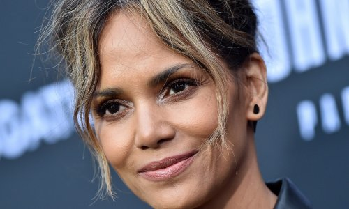 Halle Berry debuts daring new look at Oscars