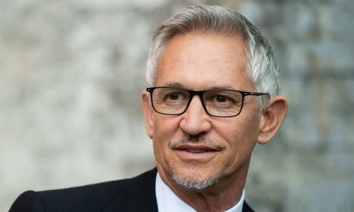 Gary Lineker thrills fans with incredible picture with his sons