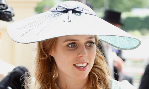 Princess Beatrice shows off baby bump in dressed-down look