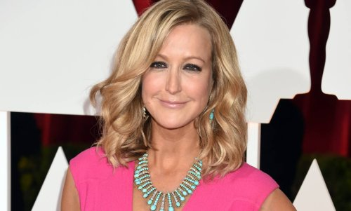 Lara Spencer's appearance in new photo with friends gets fans buzzing
