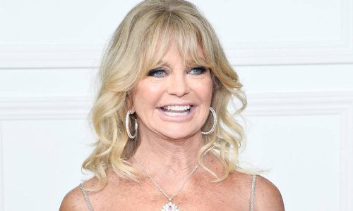 Goldie Hawn looks flawless in poolside selfie during family celebration