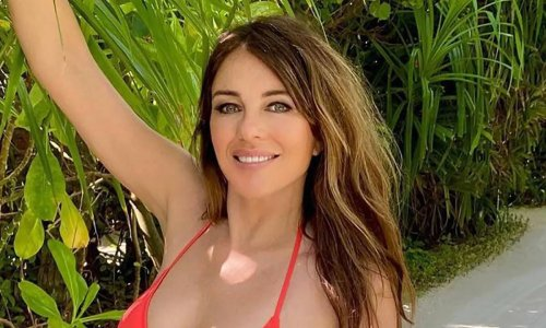 Elizabeth Hurley's rocks short blonde hair in latest show-stopping swimsuit photo