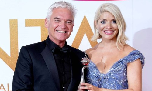 Holly Willoughby delights fans as she previews new job