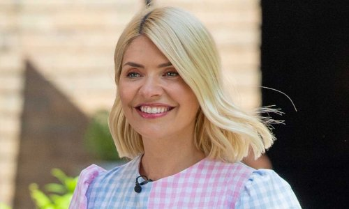 Holly Willoughby stuns in earth-conscious fashion – and fans are saying the same thing about her dress