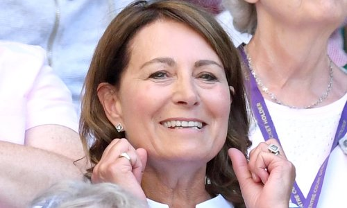 Carole Middleton's engagement ring is mighty like daughter Pippa's