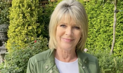 Ruth Langsford stuns fans in her figure-flattering, high-waisted jeans