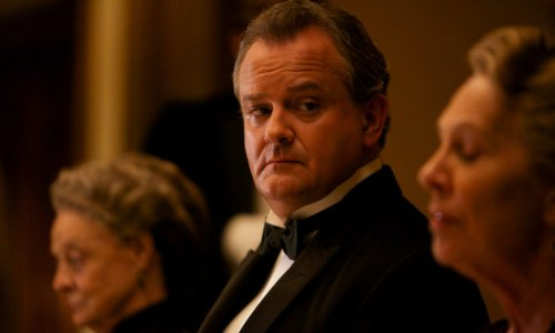Downton Abbey star Hugh Bonneville looks unrecognisable following incredible weight loss