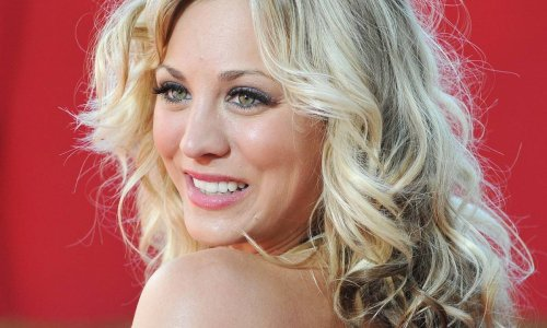 Kaley Cuoco stuns with candid beach selfie to mark special celebration