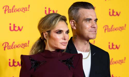 Robbie Williams is floored by wife Ayda Field's incredible flexibility