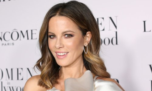 Kate Beckinsale reveals de-puffing eye trick in makeup-free post