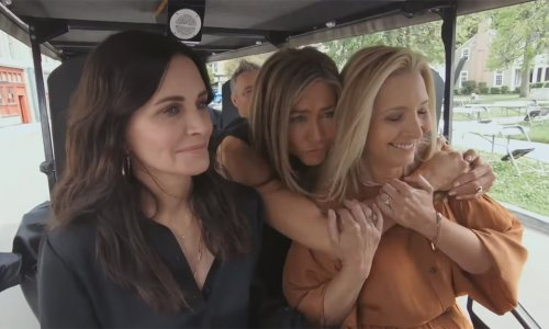 The Friends Carpool Karaoke leaves Lisa Kudrow in tears