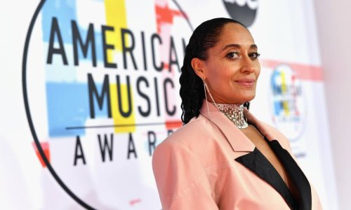 Tracee Ellis Ross twins with mom Diana in a gorgeous new look - and nails it