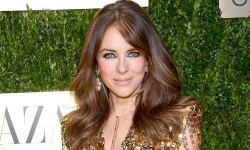 Elizabeth Hurley commands attention in slinky number with must-see photo
