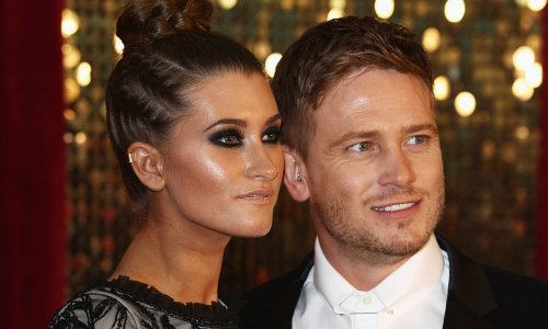 Charley Webb and her children give husband surprise makeover in sweet clip