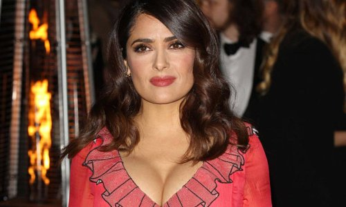 Salma Hayek wows in celebratory Cinco De Mayo photo