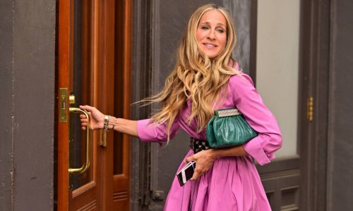 Sarah Jessica Parker turns heads with a surprising Carrie look on Sex and the City reboot