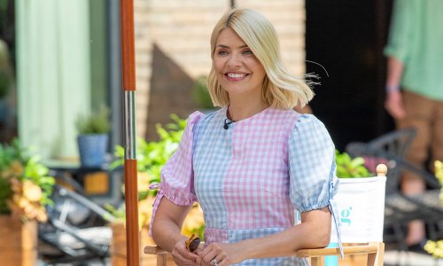 Holly Willoughby stuns in fashionable flowy M&S dress