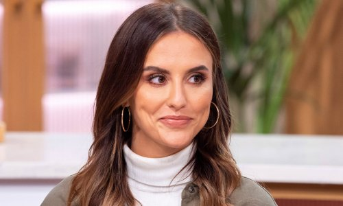 Lucy Watson is double of Keira Knightley in new wedding photo