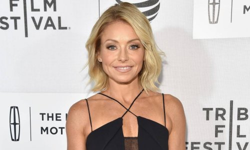 Kelly Ripa shares stormy beach photo - makes swimsuit confession
