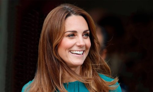 This dress totally reminds us of Kate Middleton's dreamy teal number – and we WANT it