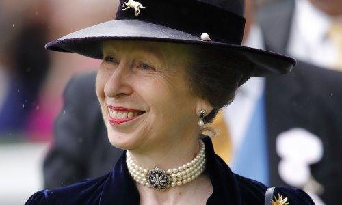 Princess Princess Anne wears sparkling, sentimental jewel for radiant Ascot appearance