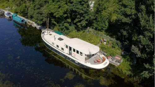 Glasgow couple selling houseboat on the perks of life on the open water