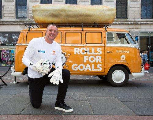 Former Celtic goalkeeper Rab Douglas discuses Vasilis Barkas' Parkhead future