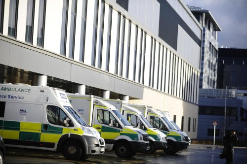 NHS faces a winter crisis worse than pandemic as senior doc issues warning