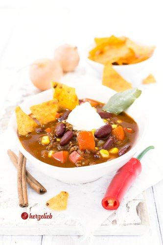 Chili con Carne Suppe Rezept - sensationell lecker & deftig