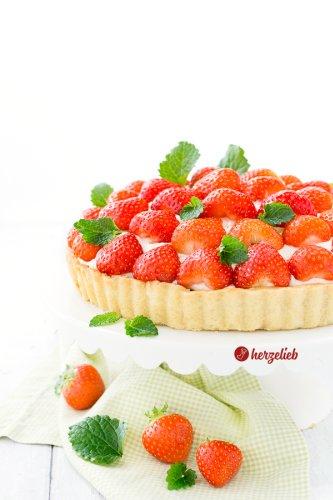 Dänische Jordbærtærte Rezept - mit Marzipan & Schokolade