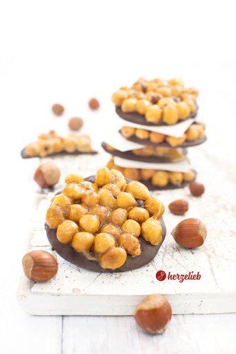 Nusskracher Rezept - mit Haselnüssen & Schokolade
