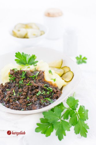 Millionbøf med kartoffelmos – Rezept für dänische Hausmannskost