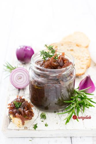 Zwiebelmarmelade Rezept - schnell und einfach zubereitet